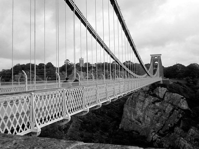 bridge-844286_640